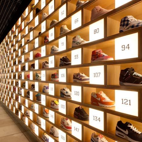 Toko Sepatu Sneaker Paling Keren di Tokyo