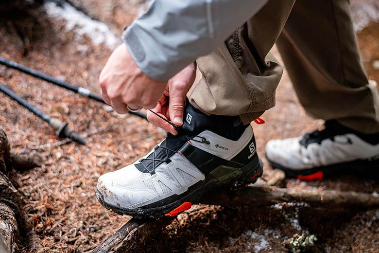Sepatu Hiking Terbaik Tahun 2021