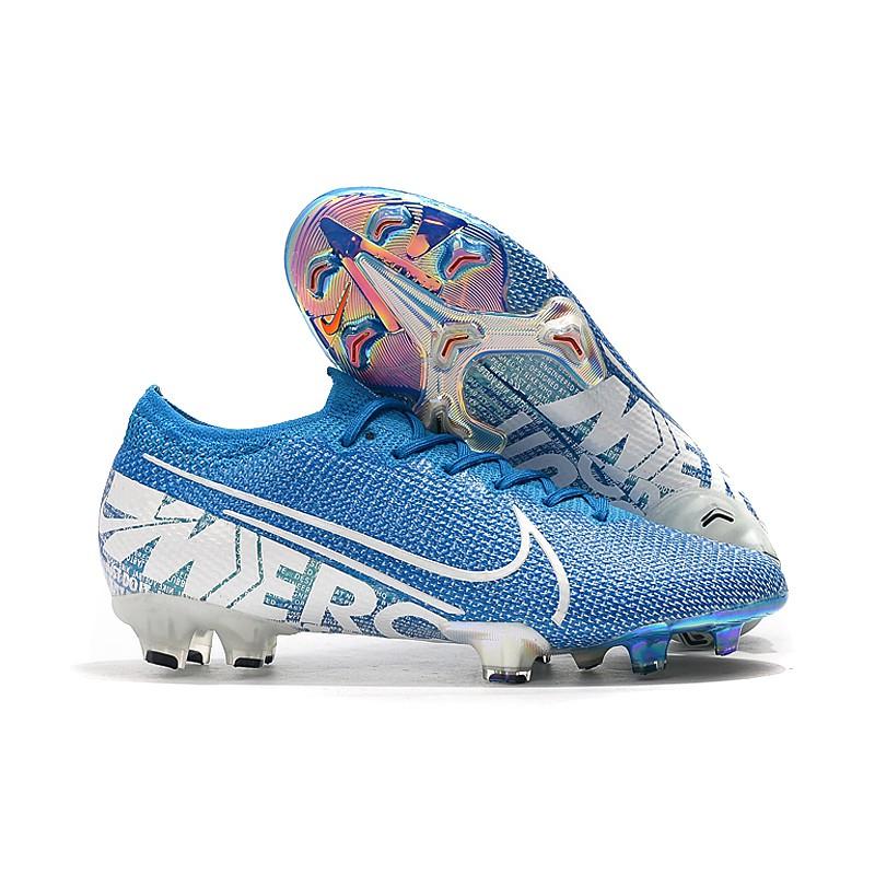 Sepatu Bola Terbaik Untuk Tahun 2021 1